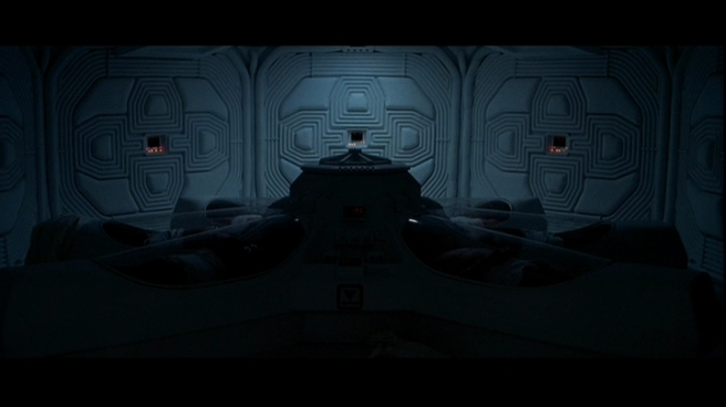 6-inside-nostromo-star-ship